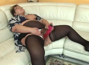Lush grandmother wants his pecker