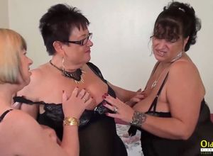 OldNannY 2 Brit Matures Lezzie Playing