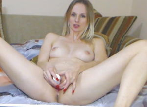 Getting off Cougar Ash-blonde Solo Cam..