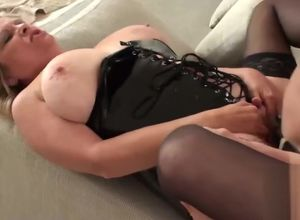 Ash-blonde housewife gets pulverized..