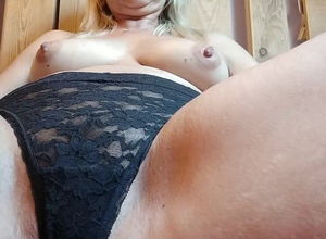 French Inexperienced Doll Wanks Solo..