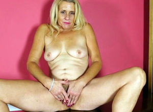 Cristine Ruby in Getting off Video -..