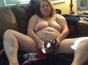 BBW mother not far from prudish pussy..