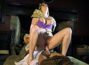 Katy Jayne In Zelda Skin of the Crazy..