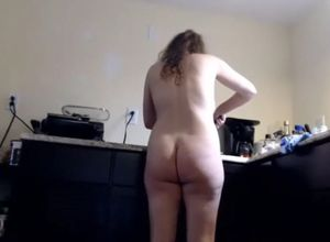 Fur covered mature whit lengthy vagina..